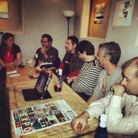 Los ponentes en Café Unión. Fotografía de Donibane