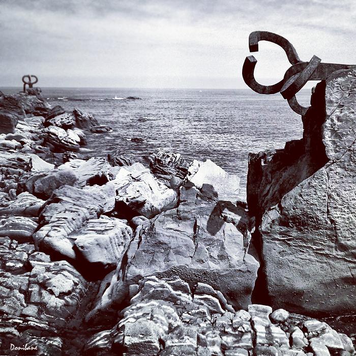 Peine de los vientos de Chillida fotografiado por Donibane